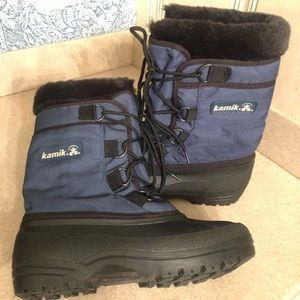 Kamik Water Proof Black and Blue Rubber Boots Fur